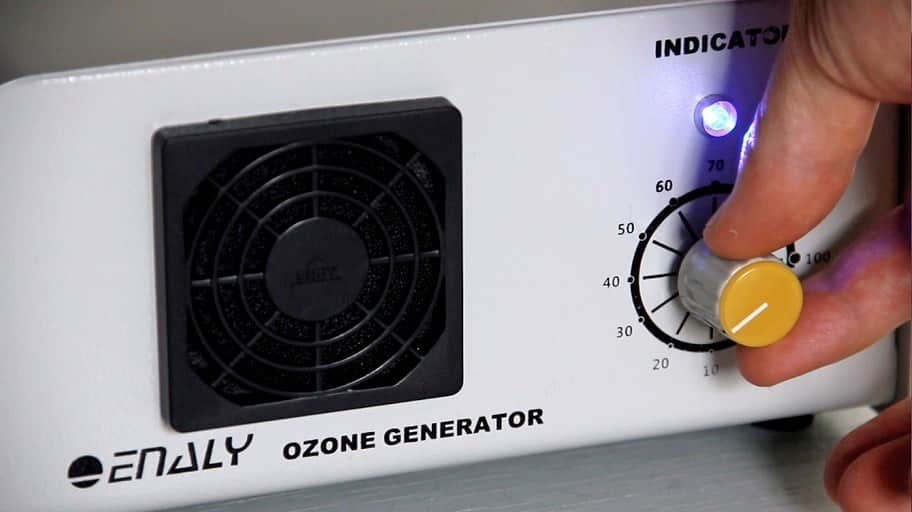 Set the Enaly 1000BT-12 to 25% at first time. Ozone rectal insufflation therapy at home. Ozongenerator für Ozon therapie zu Hause zu tun.