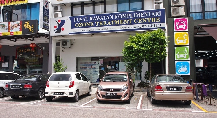 Pusat rawatan komplimentari ozone treatment centre, Johor Bahru, Malaysia.